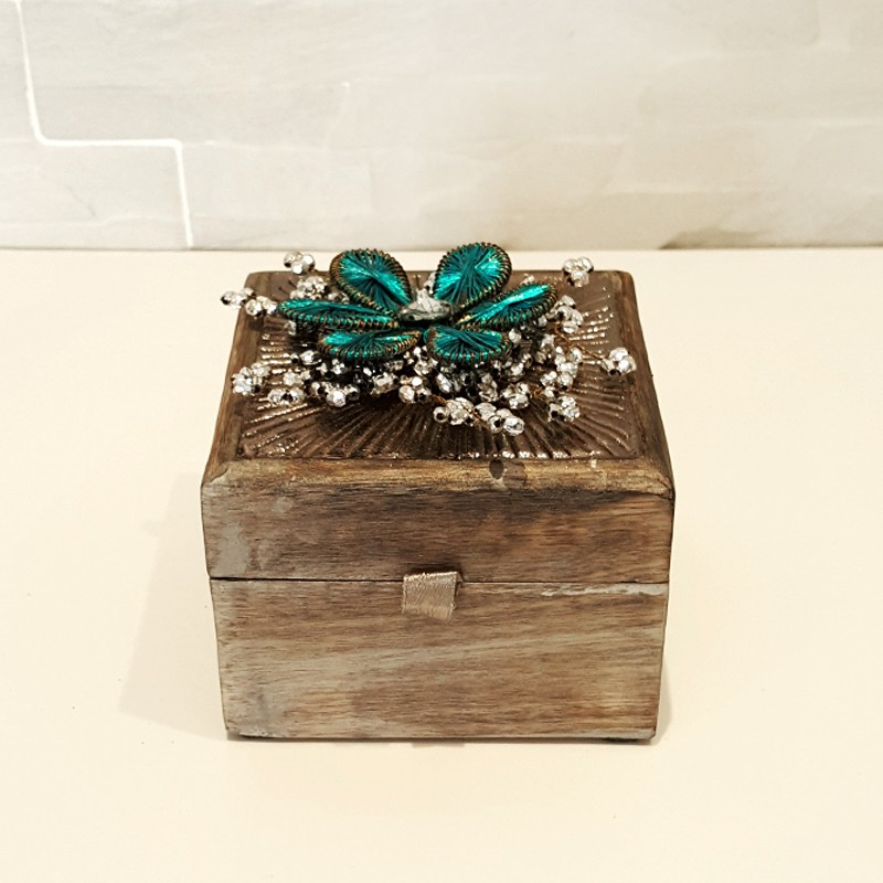 Ahşap dekoratif kutu