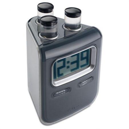 Su ile çalışan masa saati